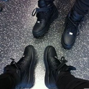 NIKE AIR FORCE 1's SIZE 13